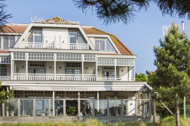 Shutters bij hotel Villa de Duinen Noordwijk