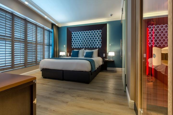 Shutters in hotel Dux Roermond